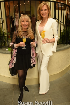 4. Deborah Van Cleve chatted with Sandra Yodesky at the event.
