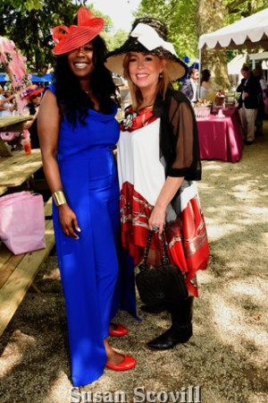 4. Terra Moné and Marla Green shared a moment during the event.