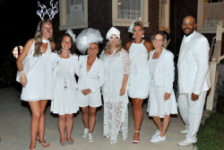 Le Dîner en Blanc – Philadelphia chooses iconic Boat House Row for its eighth edition