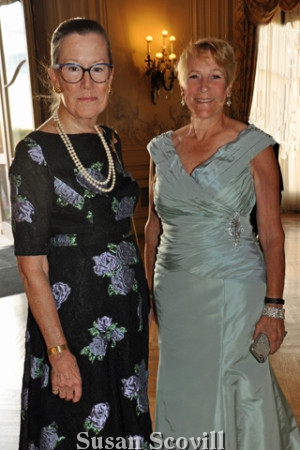 2. The Preservation Society's Board Chairman and Preservation Society Executive Director Trudy Coxe also welcomed guests to the event