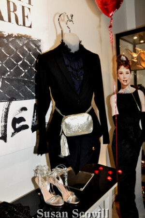 7. An Audrey Hepburn cardboard mannequin drew attention to this stylish outfit!