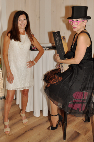 . Fashion illustrator Denise Fike drew a likeness of Denise Soloff at the event.