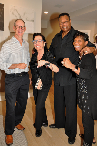 3. Robert Angevin and Carol Horne Penn struck a pose the Larry Holmes Sr. and Diane Holmes.